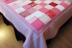 queen quilt pink corner