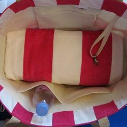 beach bag fuchsia inside 250