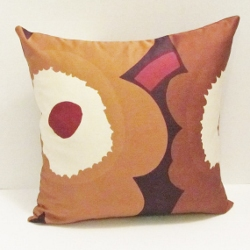 brown unikko pillow