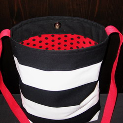 bw shoulder bag front 250