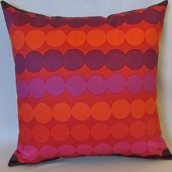 Pillow purple rasymatto