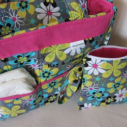 new bag far out fuchsia with clutch open 250