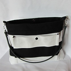 purse b and w leather 250