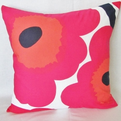 red unikko pillow