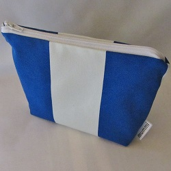pouch bright blue 250